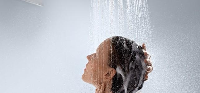 9 cosas que todo el mundo hace en la ducha