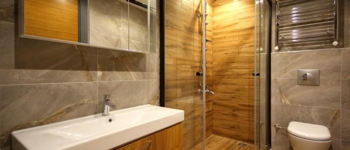 Convierte tu antigua bañera en una ducha con zona de almacenaje imagen